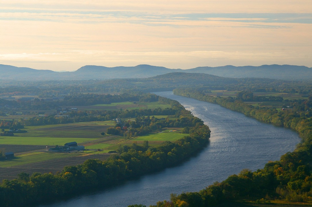landscape-of-the-connecticut-river-and-mount-sugarloaf
